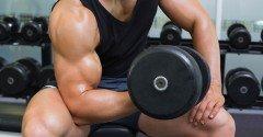 De 5 beste oefeningen om je biceps te trainen