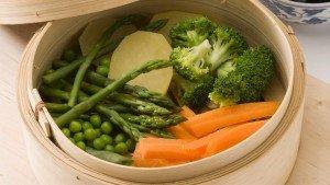 Het stomen van je groente is gezonder dan koken