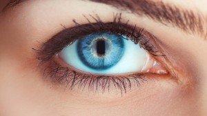 Onderzoek: 'Sporters met blauwe contactlenzen presteren beter'