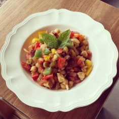 Kikkererwten-salade-met-salami