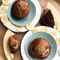bananenmuffins met vruchten