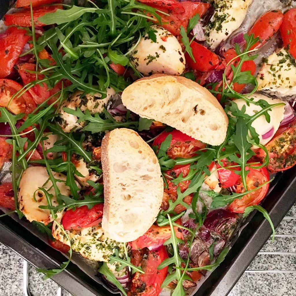 Ciabatta met kip en tomaat uit de oven