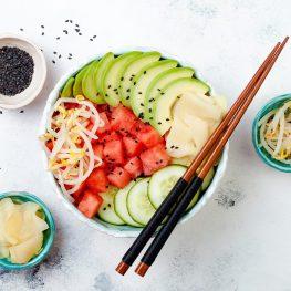 Vega poké bowl met watermeloen