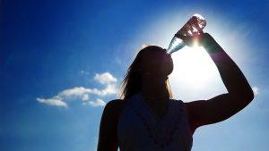 5 tips om meer te drinken tijdens warm weer
