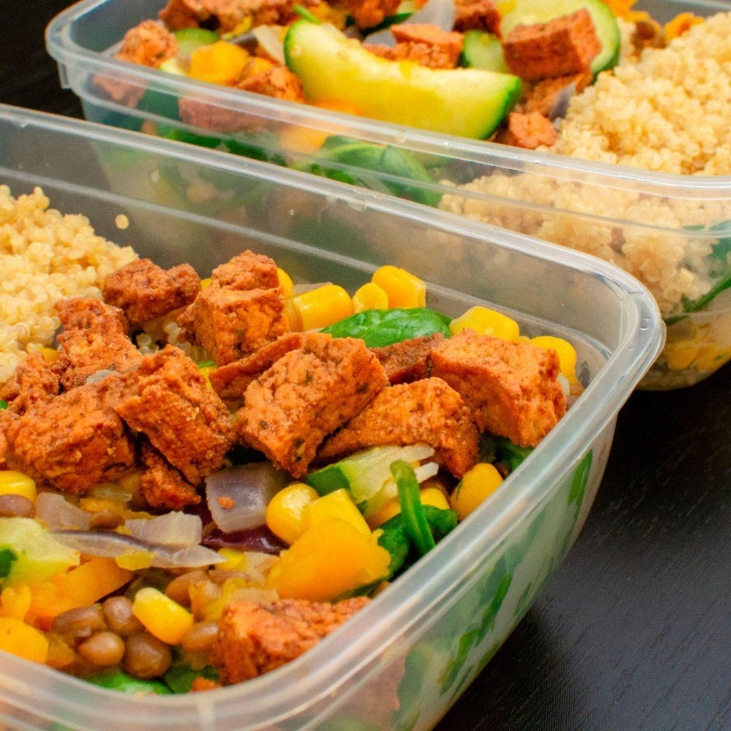 Vega wokschotel met quinoa