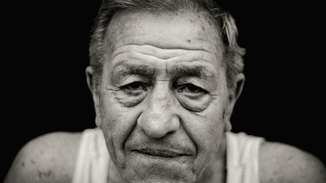 wallen-oudere-man