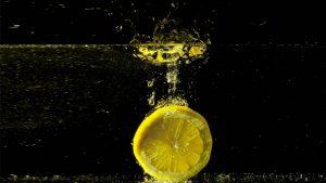 De 5 meest hardnekkige fabels over water met citroensap