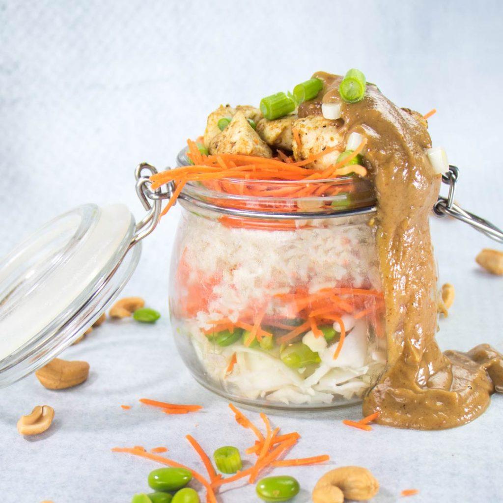 Witte koolsalade met kip