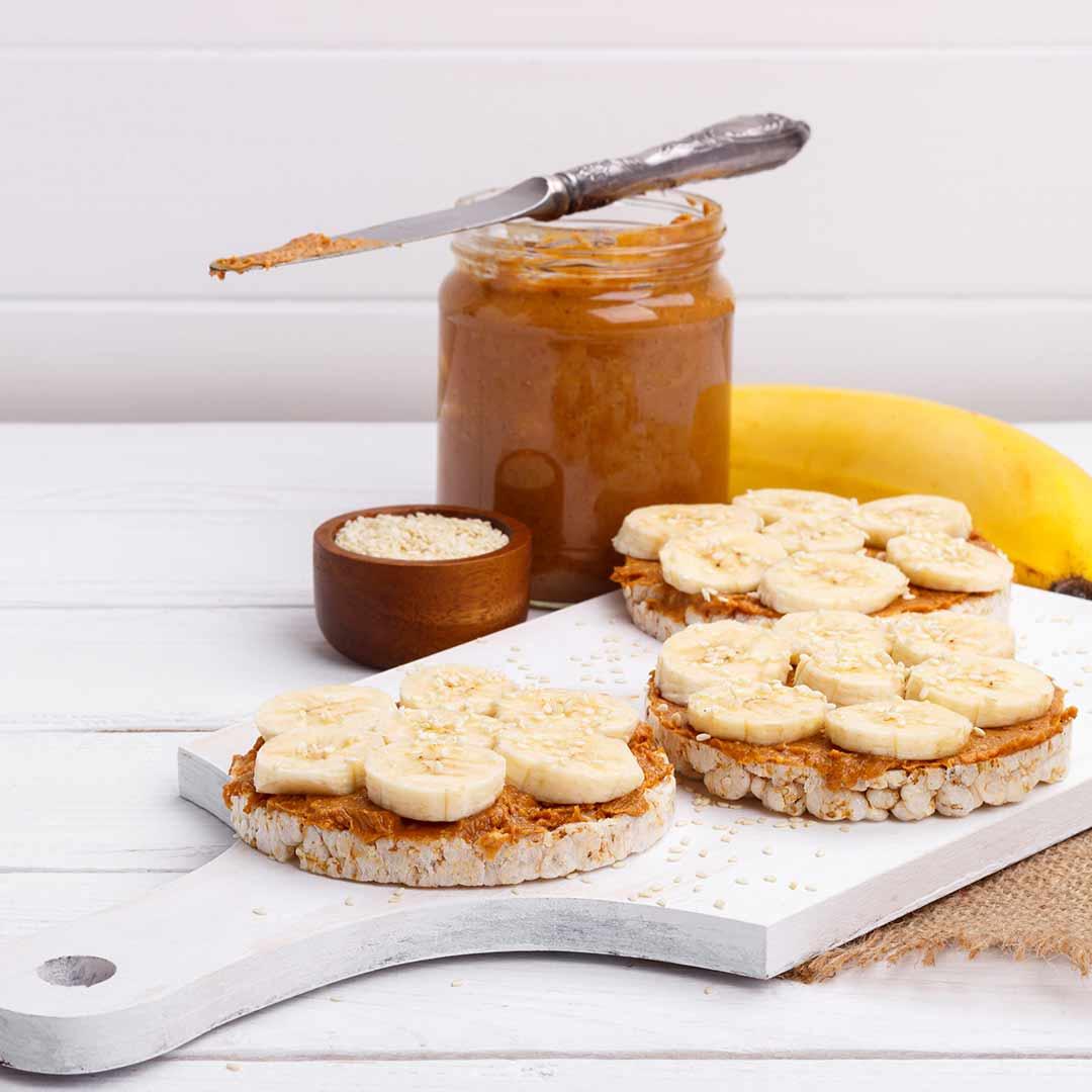 Rijstwafel met pindakaas en banaan recept