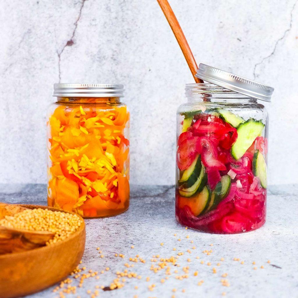Atjar tjampoer (ingemaakte groente)